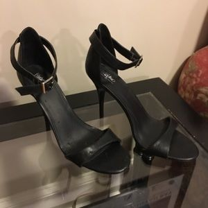 Mossimo ankle strap heels